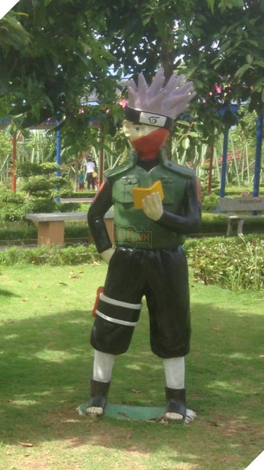 """Choáng với tượng Naruto """"thảm họa"""" tại Việt Nam"""