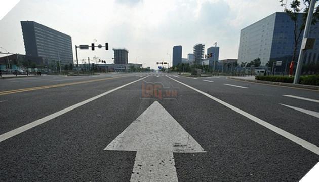 Rợn người trước khung cảnh vườn không nhà trống tại các thành phố ma ở Trung Quốc - Ảnh 2.