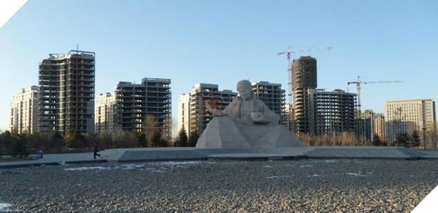 Rợn người trước khung cảnh vườn không nhà trống tại các thành phố ma ở Trung Quốc - Ảnh 4.