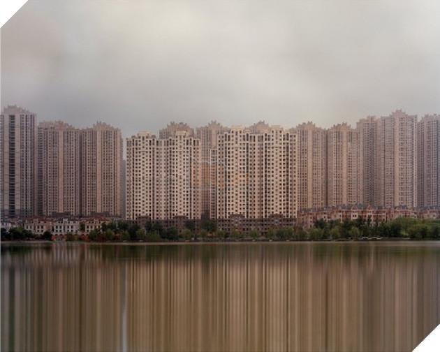 Rợn người trước khung cảnh vườn không nhà trống tại các thành phố ma ở Trung Quốc - Ảnh 10.