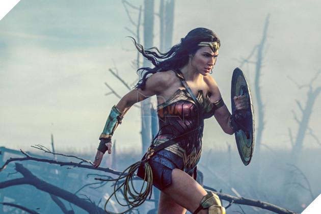 """Những """"nữ thần"""" nóng bỏng nhất của vũ trụ siêu anh hùng DC"""