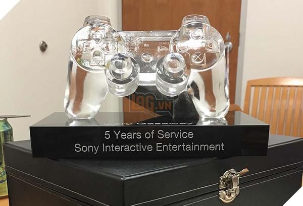 Món quà dành cho nhân viên hoạt động 5 năm tại Sony