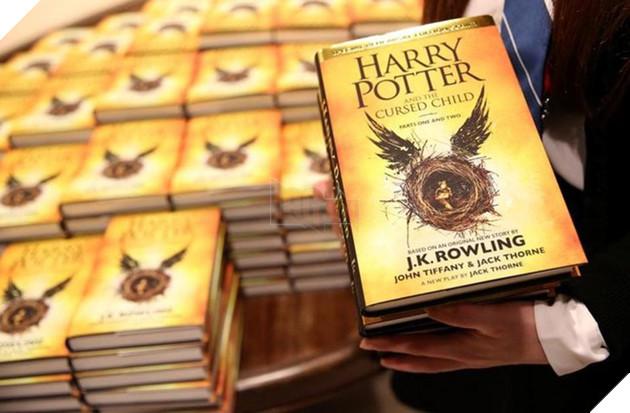 Harry Potter đã bước sang tuổi 20: Hành trình 2 thập kỷ của cuốn sách từng nhiều lần bị chối bỏ - Ảnh 2.