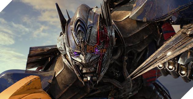 Nhung lan 'lot xac' cua nguoi may Optimus Prime thuoc 'Transformers' hinh anh 20
