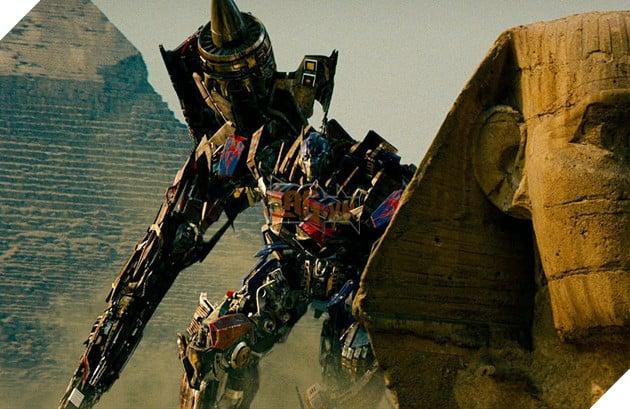 Nhung lan 'lot xac' cua nguoi may Optimus Prime thuoc 'Transformers' hinh anh 14