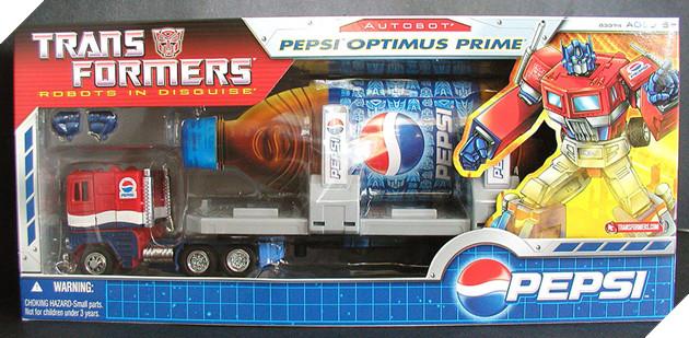 Nhung lan 'lot xac' cua nguoi may Optimus Prime thuoc 'Transformers' hinh anh 3