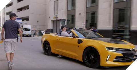 Đạo diễn Michael Bay ngồi cùng chiếc xe với Mark dưới tốc độ 45 dặm/ giờ để có được cảnh quay độc nhất vô nhị.