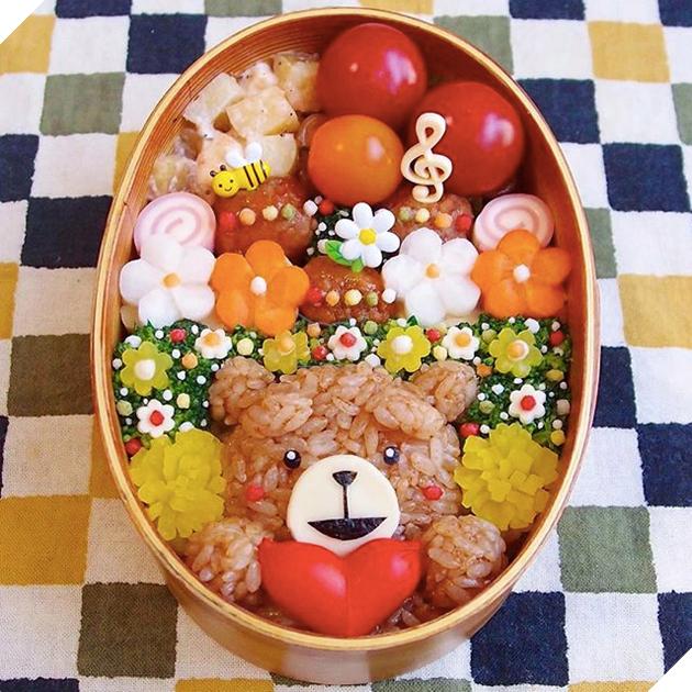 Những hộp cơm đẹp như tranh vẽ của bà nội trợ không hổ danh vợ Nhật - Ảnh 1.