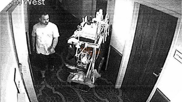 Camera an ninh của khách sạn đã ghi lại hình ảnh tên trộm