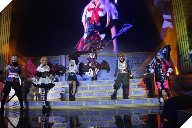 """Liên Quân Mobile: Chiêm ngưỡng màn cosplay """"chất lừ"""" tại Garena Throne of Glory 2017"""