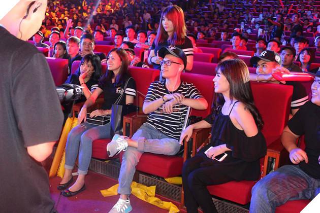 Hàng loạt phần quà hấp dẫn được trao cho khán giả khi tham gia các gameshow mini cực vui nhộn