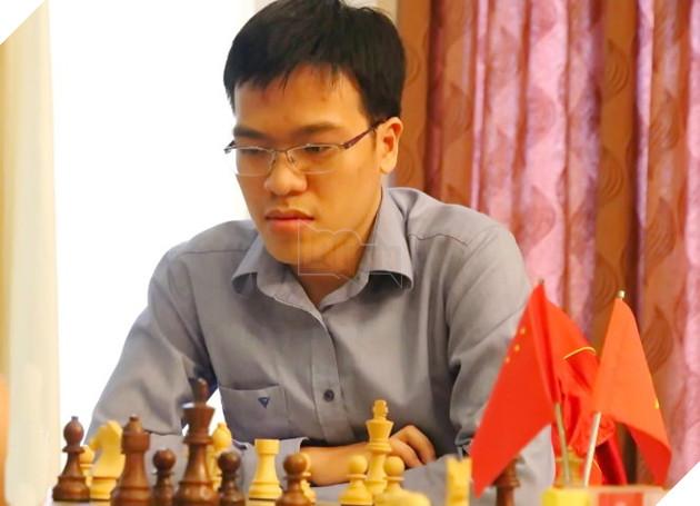 Quang Liêm đánh bại ĐKVĐ cờ nhanh thế giới