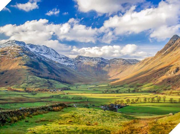 Nhưng họ cũng hi vọng rằng Unesco sẽ hỗ trợ giám sát các hoạt động du lịch và nỗ lực bảo tồn Lake District.
