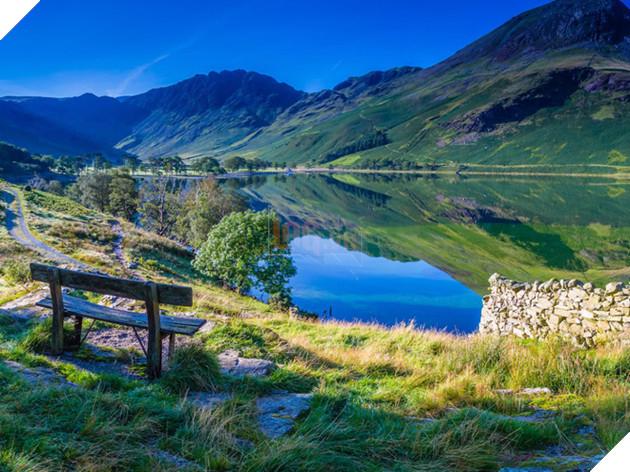 Điểm đặc trưng của khu vực này là những ngọn núi và nước trong xanh.