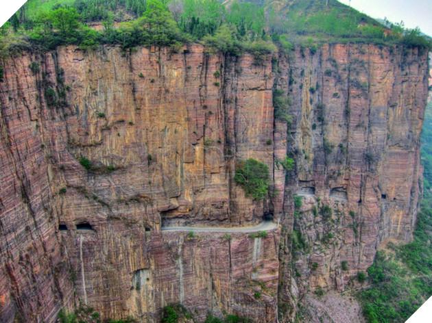 40 năm trước, quá mệt mỏi vì phải đi đường vòng, một nhóm dân làng Trung Quốc đã đào đường hầm Guoliang xuyên qua dãy núi Taihang.