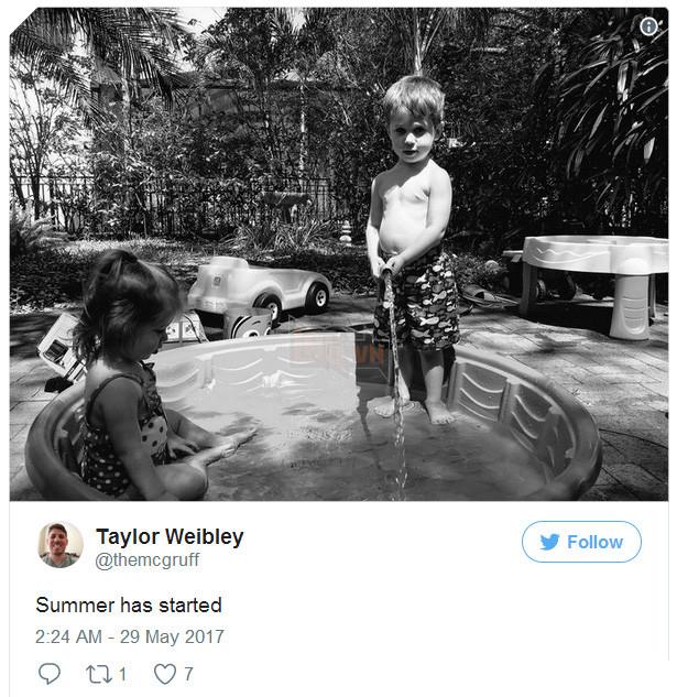 """""""Mùa hè đã bắt đầu rồi"""" - Giám đốc dự án Taylor Weibley chia sẻ trên twitter ảnh chụp các con của mình tại Tampa, Florida trong kì nghỉ hè với gia đình"""