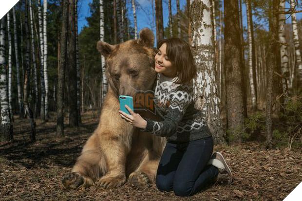 Nuôi thú cưng thế này mới đẳng cấp: Cặp đôi sống chung cùng chú gấu nặng 360kg suốt 24 năm - Ảnh 7.