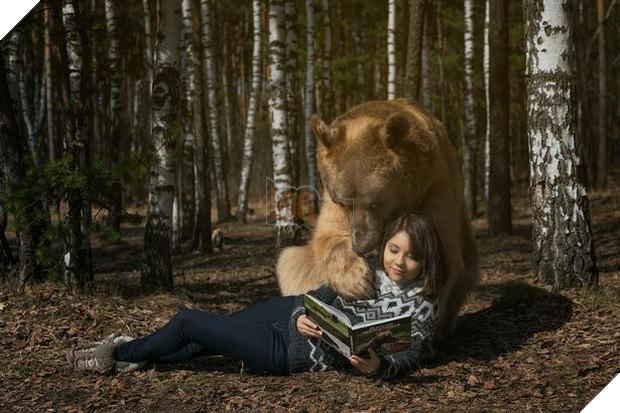 Nuôi thú cưng thế này mới đẳng cấp: Cặp đôi sống chung cùng chú gấu nặng 360kg suốt 24 năm - Ảnh 4.