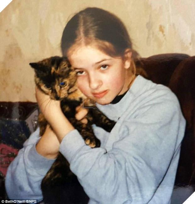 Mèo cụ sống lâu tương đương với 141 tuổi người nhưng vẫn khỏe như vâm - Ảnh 2.