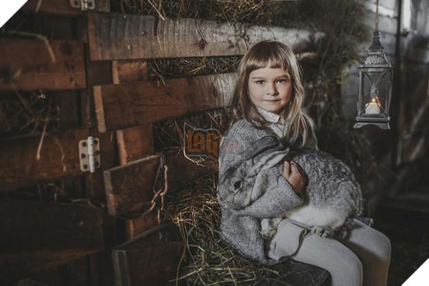 Bộ ảnh tình bạn đẹp tuyệt vời của em bé và các loài động vật - Ảnh 35.