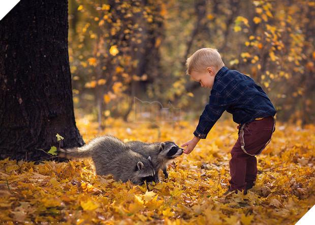 Bộ ảnh tình bạn đẹp tuyệt vời của em bé và các loài động vật - Ảnh 15.