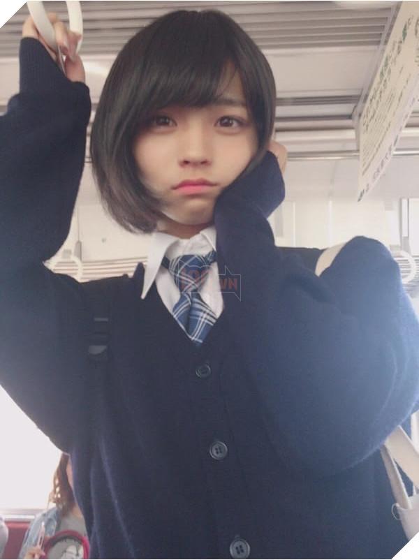 Ginsyamu giả gái ngay cả khi đi ngoài ngoài xã hội