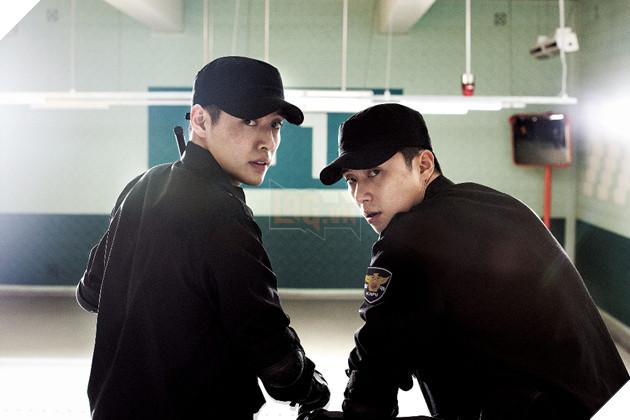 """Park Seo-Joon và Kang Ha-Neul trở thành bộ đôi hoàn cảnh trong """"Cảnh Sát Tập Sự"""" 2"""