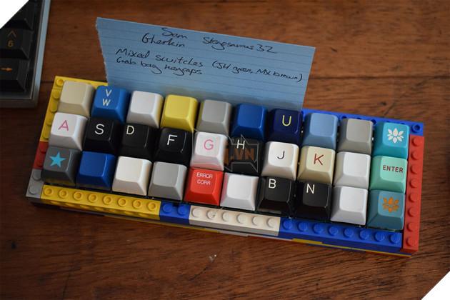 Tổng hợp các bàn phím cơ custom độc lạ từ xứ sở sương mù  12