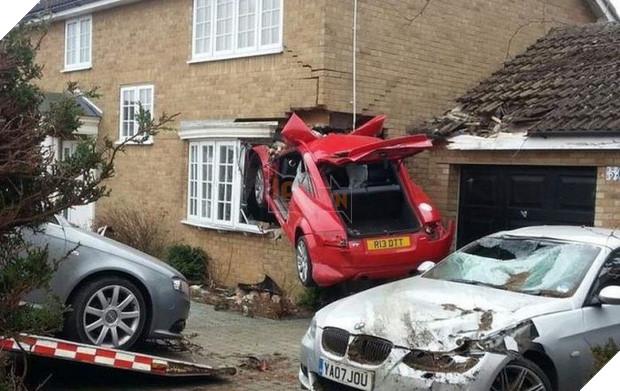 16 tai nạn đỉnh cao chỉ có thể là của hội mới học lái ô tô - Ảnh 29.