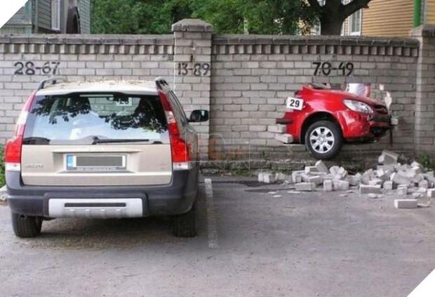 16 tai nạn đỉnh cao chỉ có thể là của hội mới học lái ô tô - Ảnh 27.