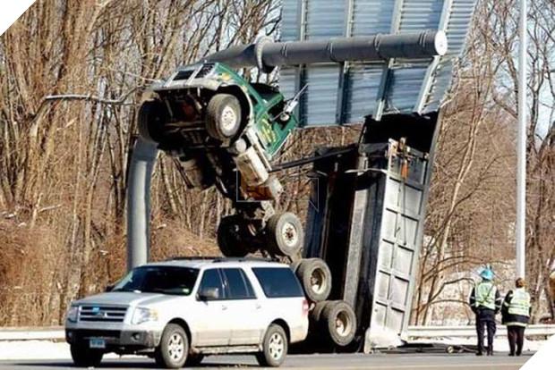 16 tai nạn đỉnh cao chỉ có thể là của hội mới học lái ô tô - Ảnh 7.
