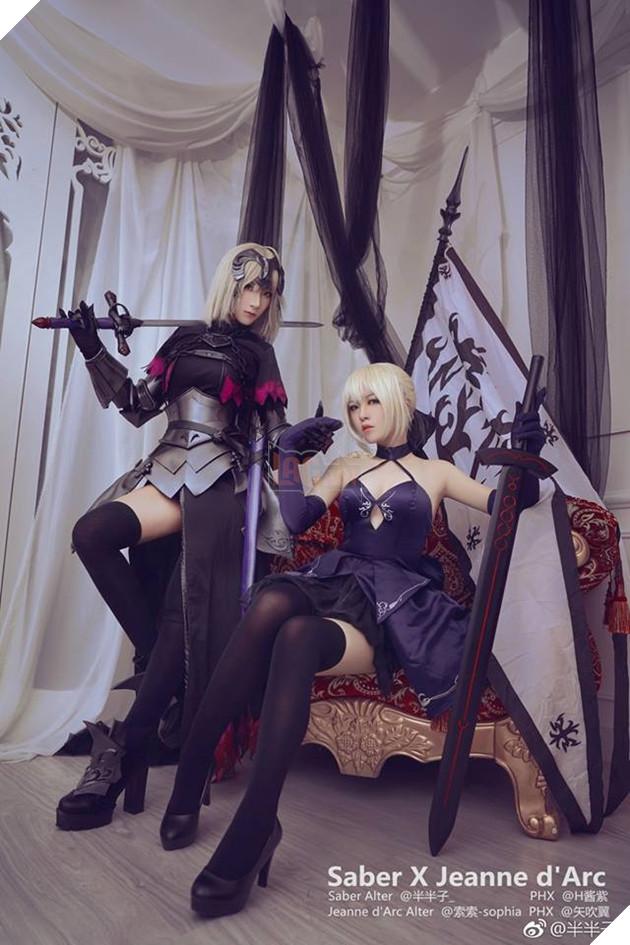 Bộ ảnh cosplay cực nóng bỏng về 2 cô nàng Saber và Jeanne d'Arc