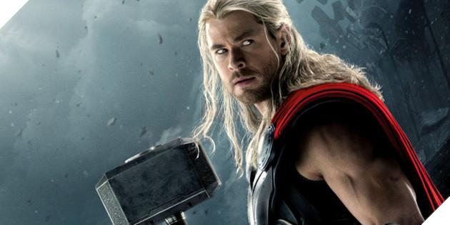 Chris Hemsworth thủ vai thần sấm Thor trong vũ trụ siêu anh hùng của Marvel.