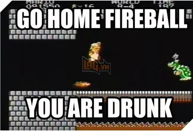 Nhìn như kiểu ngọn lửa bắt đầu tới từ sau lưng của Mario vậy