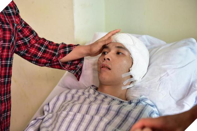 Lưu Như Thiên bị xuất huyết não và hiện đã nằm viện trong nhiều tháng trong trạng thái ngây ngốc