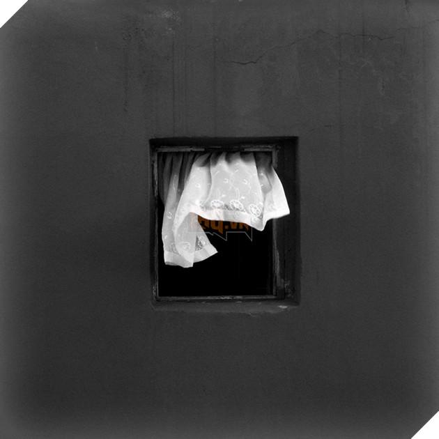 Dành 12 năm chỉ để chụp một khung cửa sổ: vật vô tri trên tường nhà hàng xóm cũng có thăng trầm của riêng nó - Ảnh 16.