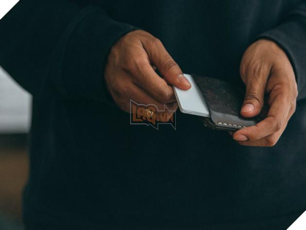 Chiếc điện thoại đi ngược lại định nghĩa smartphone: đẹp đẽ nuột nà nhưng chỉ có đúng 4 tính năng - Ảnh 4.