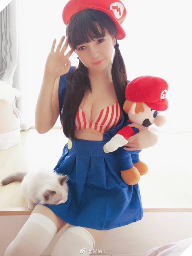 """Cùng ngắm cosplay cô nàng Mario """"ngực khủng"""" cực dễ thương"""