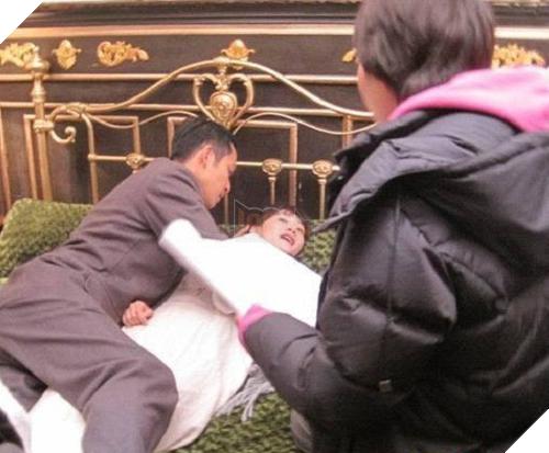 Sự thật giật mình đằng sau những loạt cảnh nóng nhức mắt của phim Trung Quốc