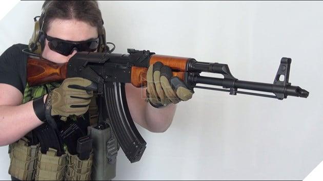 PUBG Tìm hiểu về AKM Con ngựa hoang khó thuần phục nhất dòng súng AR