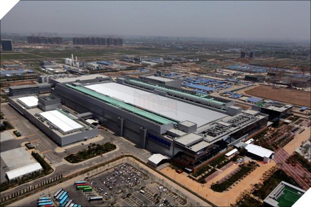 iPhone X ế ẩm, Samsung sản xuất được 60.000 màn hình OLED mỗi tháng mà chẳng biết bán cho ai - Ảnh 1.