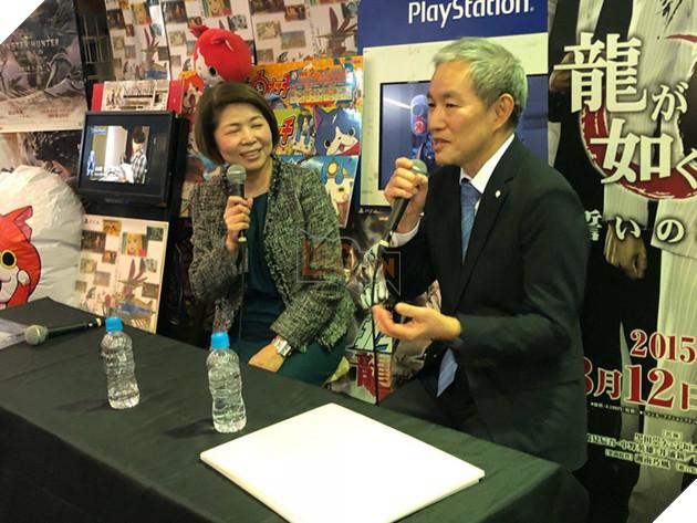 Nhiều nhân vật tai to mặt lớn của làng game Nhật Bản đã xuất hiện trong sự kiện này. Trong ảnh là ông Atsushi Morita, chủ tịch của Sony Computer Entertainment.