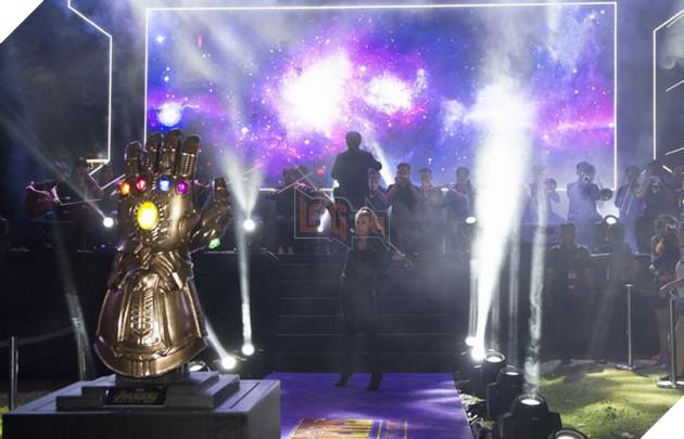 Sự kiện buổi tối bùng nổ với dàn nhạc sống, trình bày bản nhạc nền quen thuộc của Marvel