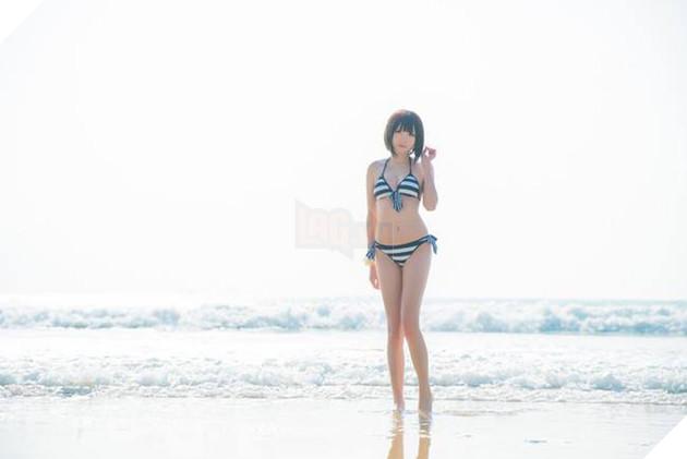 Cosplay cô nàng Megumi Kato cực nóng bỏng đốt cháy ngày hè