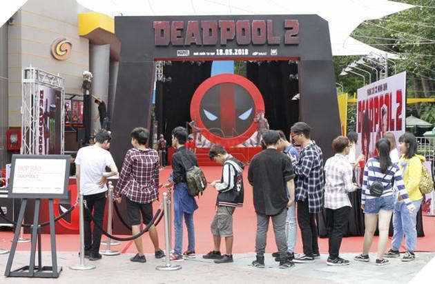 Người hâm mộ xếp hàng để có cơ hội xem trước phimDeadpool 2