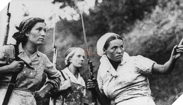 Việc phụ nữ tham chiến trong Đệ nhị Thế chiến không hẳn là sai lệch lịch sử