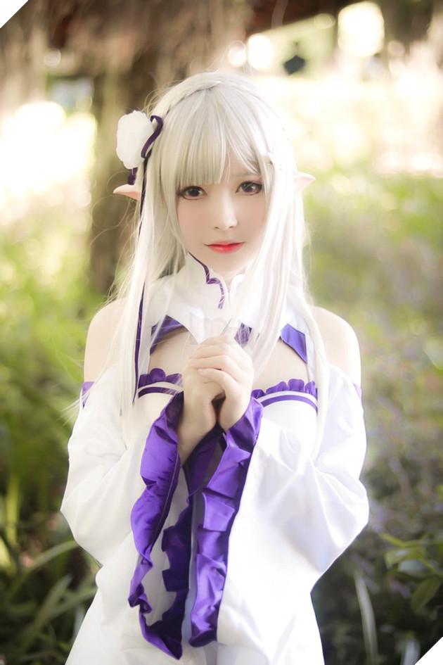 Cùng ngắm cosplay nàng công chúa tóc trắng Emilia cực dễ thương trong Re:Zero