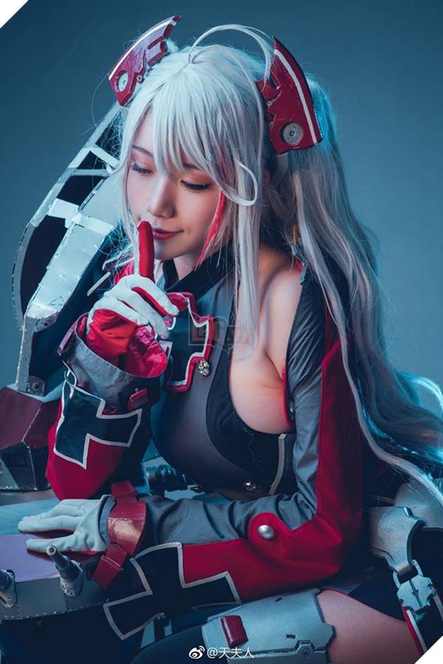 Ngắm cosplay Azur Lane lạ mắt nhưng không kém phần gợi cảm