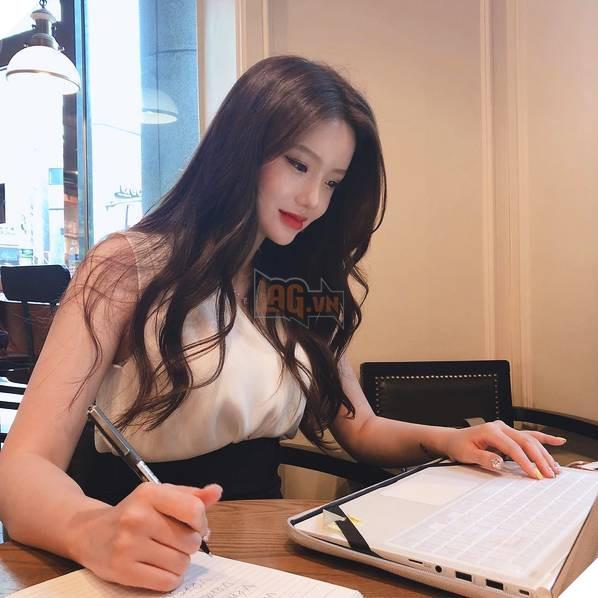 Sarah Kim - Cô giáo dạy tiếng Anh nóng bỏng nhất Hàn Quốc - Ảnh 6.