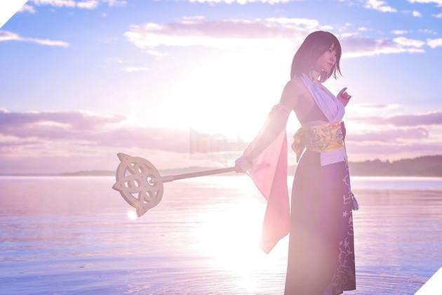 Choáng ngợp với bản cosplay Yuna cùng điệu nhảy trên mặt nước huyền thoại Final Fantasy 3